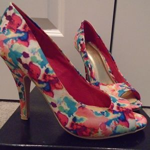 "*EUCIB* ""watercolor"" peeptoe pump"